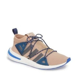 adidas Arkyn Sneaker size 7 1/2